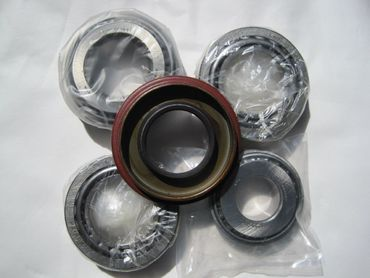 Volvo 1031 rear axle bearings kit, 1031 perän laakeripaketti